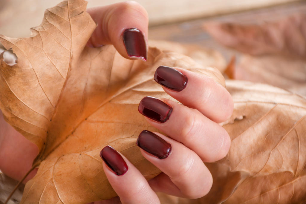 Choosing the Right Gel Nail Polish for Your Hand